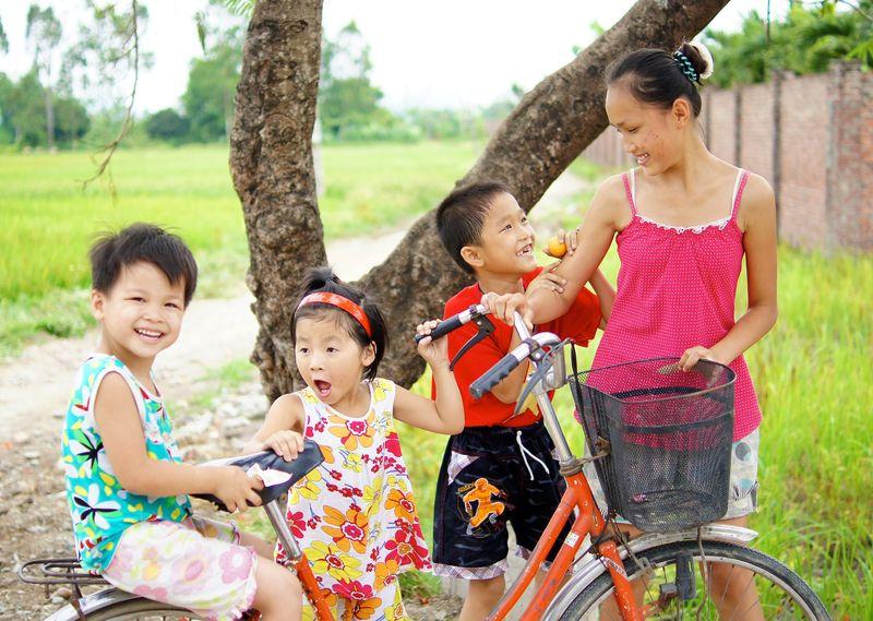 Vietnam people 52