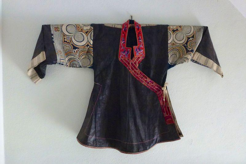 LAOS fabric 2