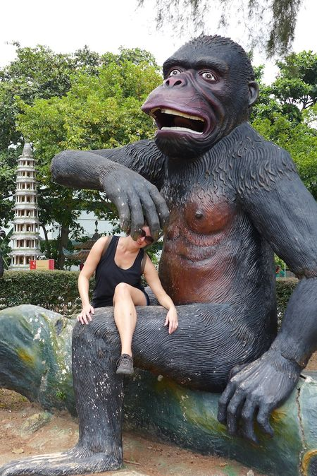 Erin in singapore30