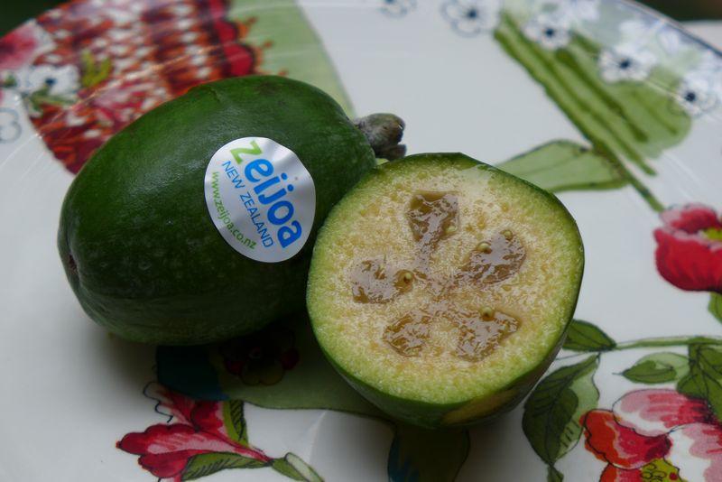 Zeijoa fruit2